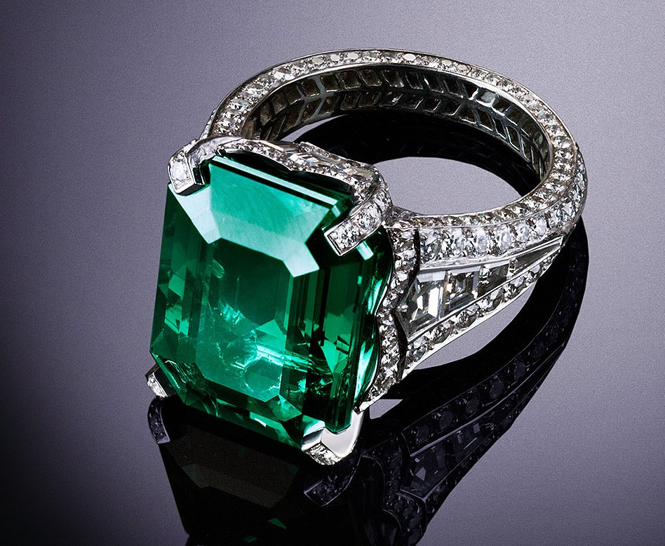 Faberge Emerald ring